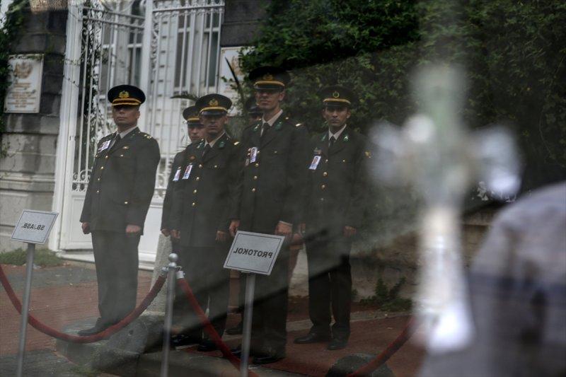 Ermeni Kıbrıs gazisi için kilisede tören düzenlendi 10