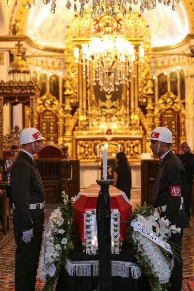 Ermeni Kıbrıs gazisi için kilisede tören düzenlendi 12