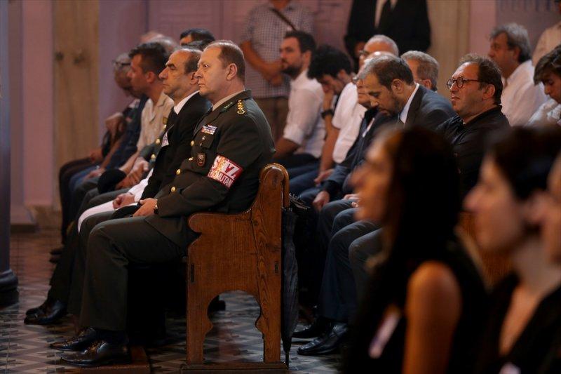 Ermeni Kıbrıs gazisi için kilisede tören düzenlendi 14