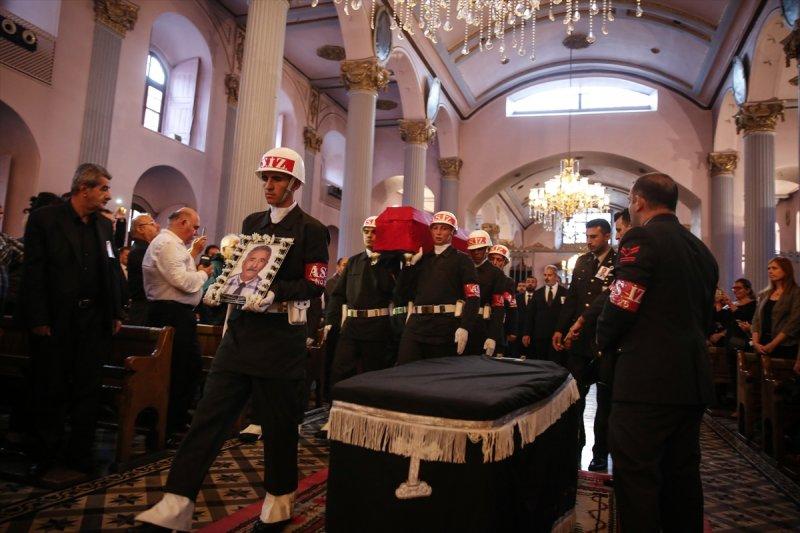 Ermeni Kıbrıs gazisi için kilisede tören düzenlendi 15