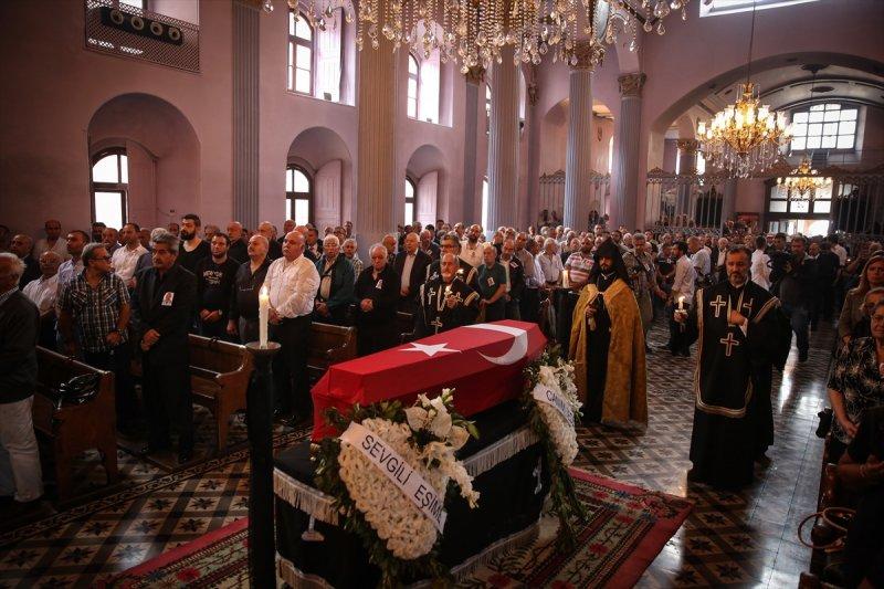 Ermeni Kıbrıs gazisi için kilisede tören düzenlendi 17