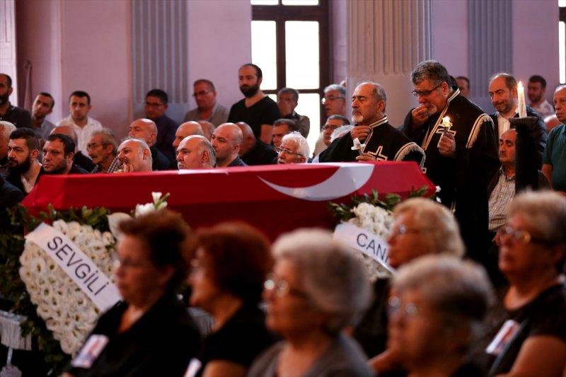 Ermeni Kıbrıs gazisi için kilisede tören düzenlendi 3