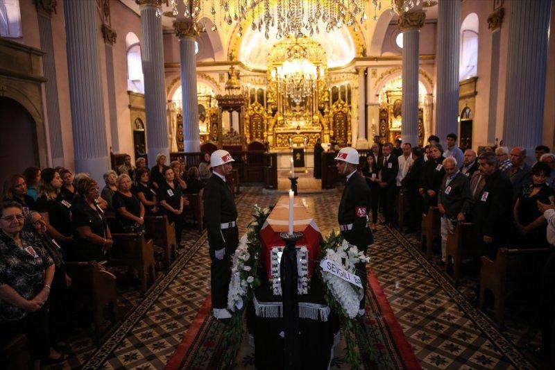 Ermeni Kıbrıs gazisi için kilisede tören düzenlendi 4