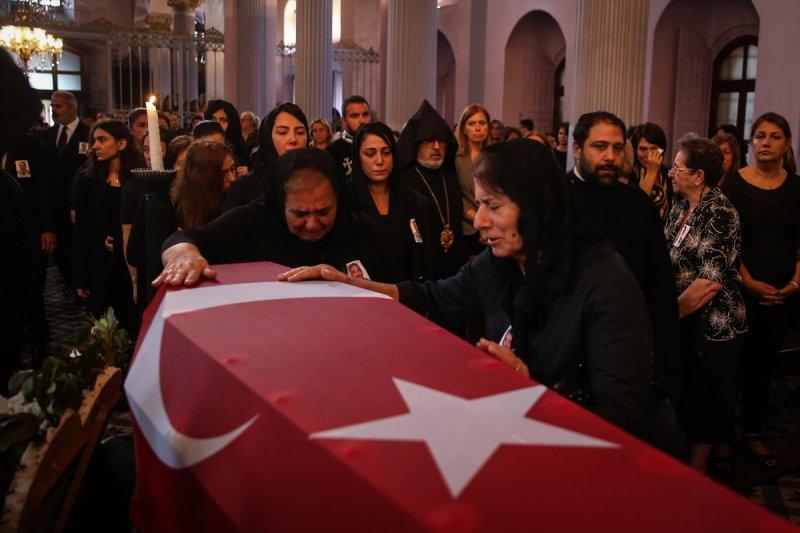 Ermeni Kıbrıs gazisi için kilisede tören düzenlendi 6