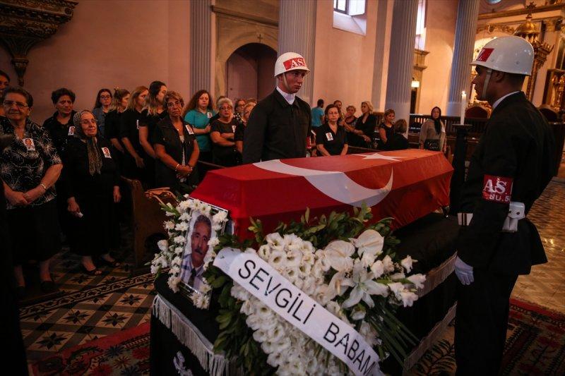 Ermeni Kıbrıs gazisi için kilisede tören düzenlendi 7