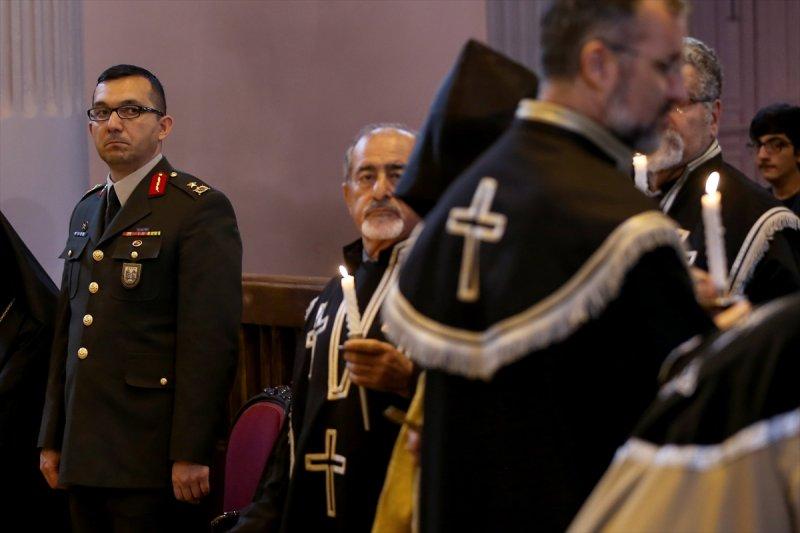 Ermeni Kıbrıs gazisi için kilisede tören düzenlendi 9