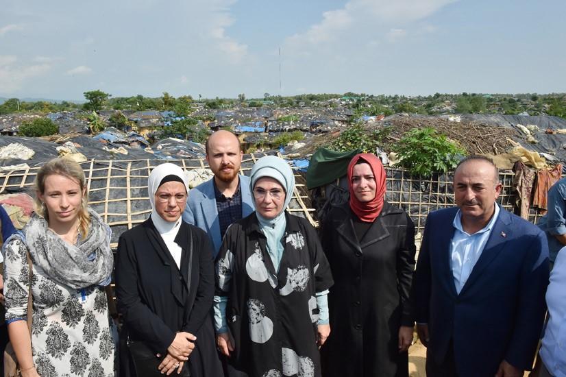 Emine Erdoğan, Arakanlı Müslümanlara Yardım Dağıttı 12