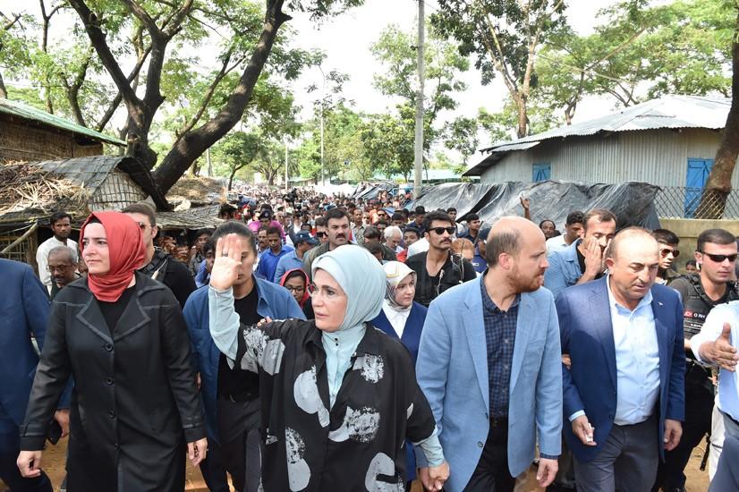 Emine Erdoğan, Arakanlı Müslümanlara Yardım Dağıttı 9