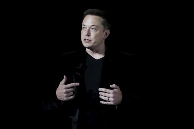 Elon Musk Tesla'nın yeni 'canavar'ı için tarih verdi 4