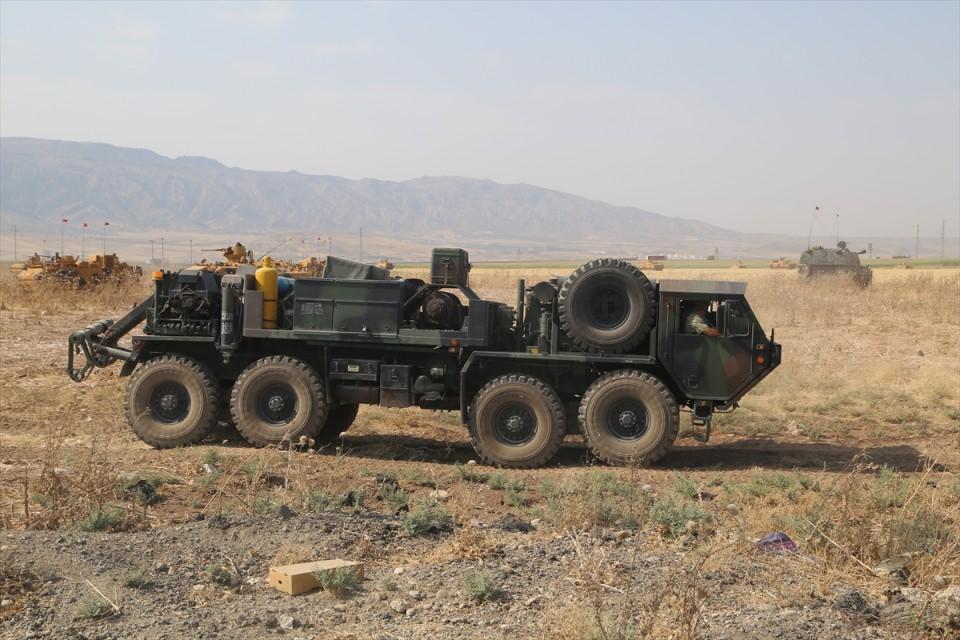 TSK'dan Irak sınırında nefes kesen tatbikat! 2