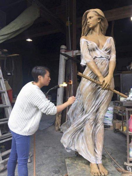 Çinli sanatçının gerçekçi heykelleri 5