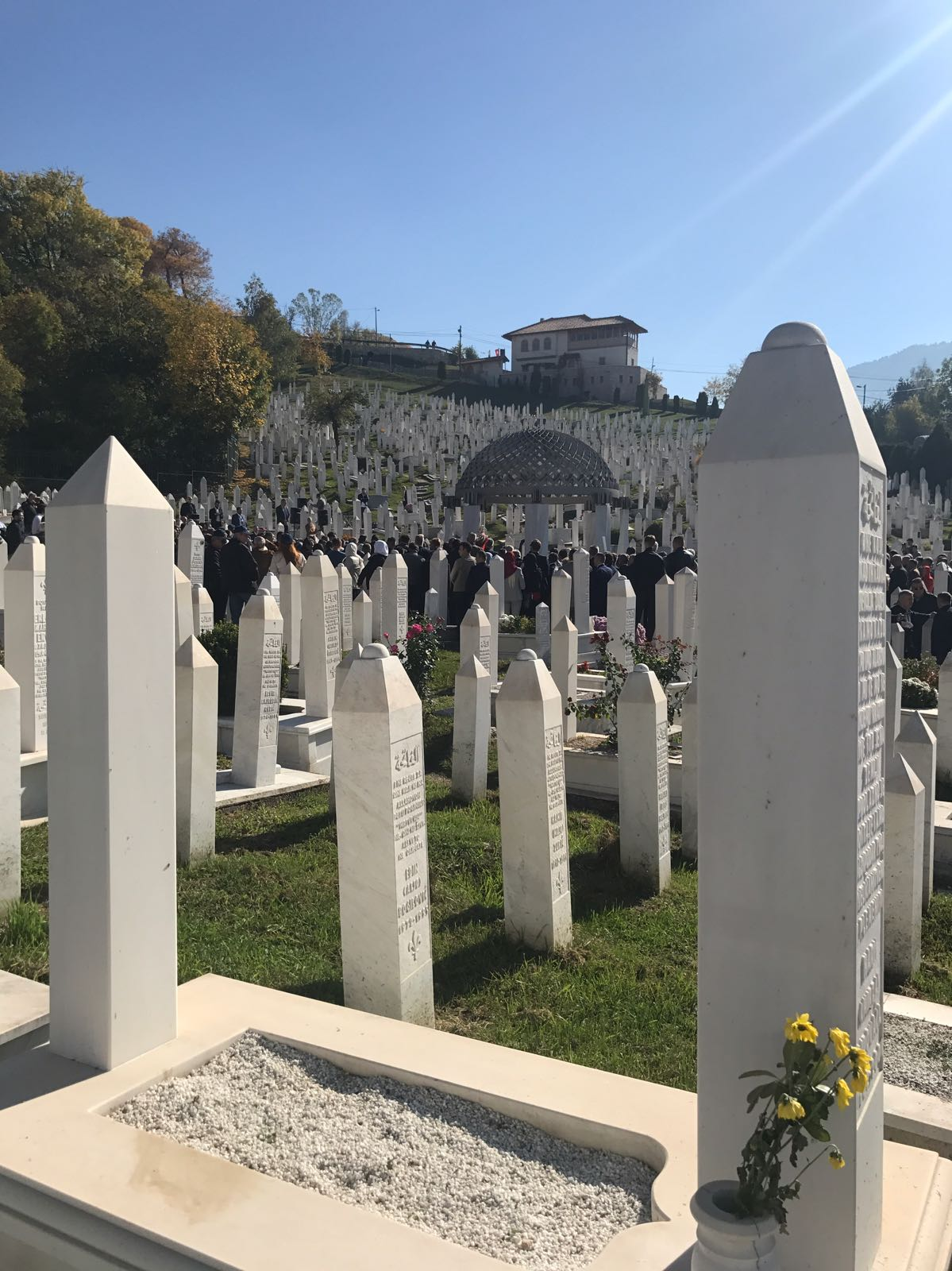 Aliya İzzetbegoviç mezarı başında anıldı 11
