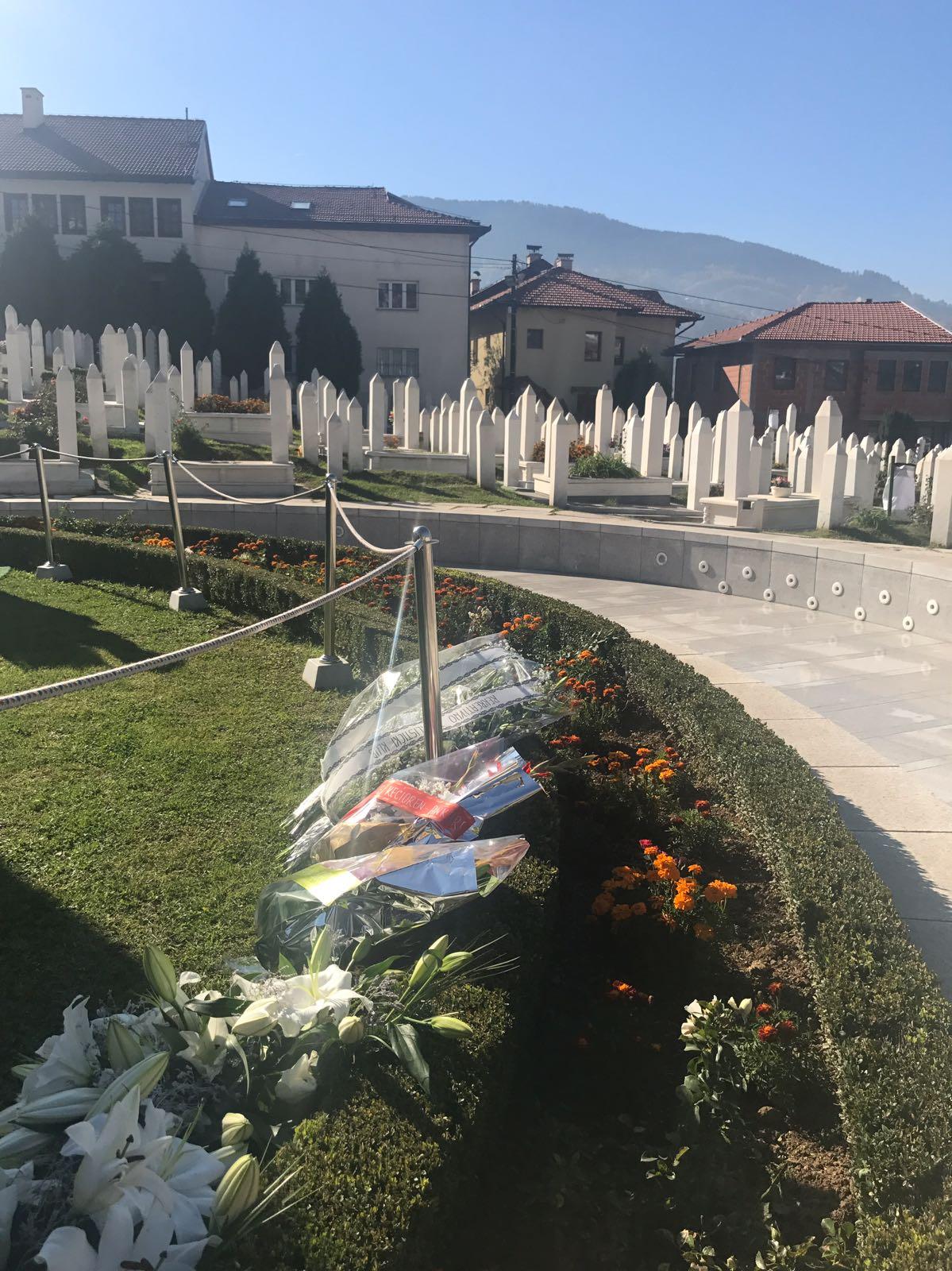 Aliya İzzetbegoviç mezarı başında anıldı 2