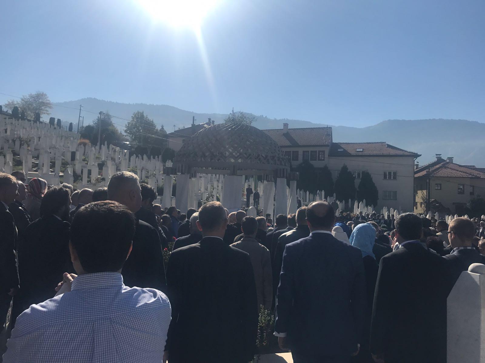 Aliya İzzetbegoviç mezarı başında anıldı 21