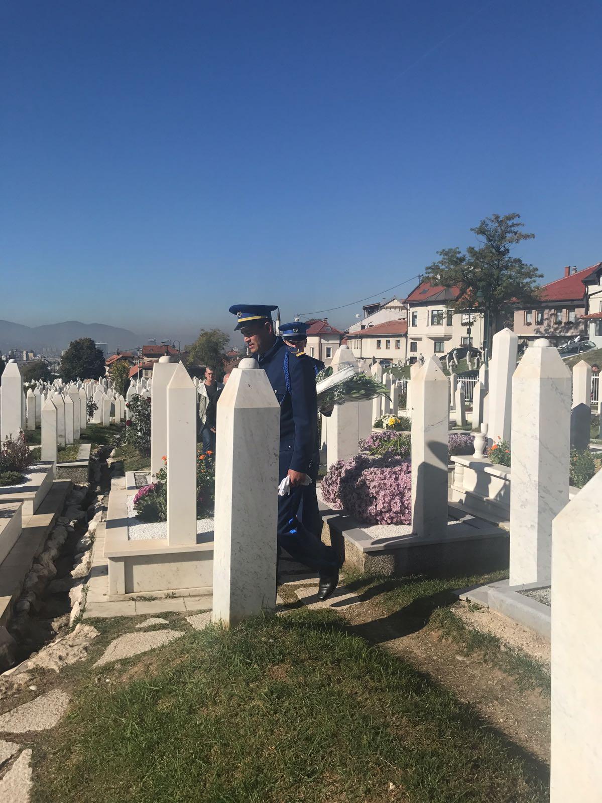 Aliya İzzetbegoviç mezarı başında anıldı 4