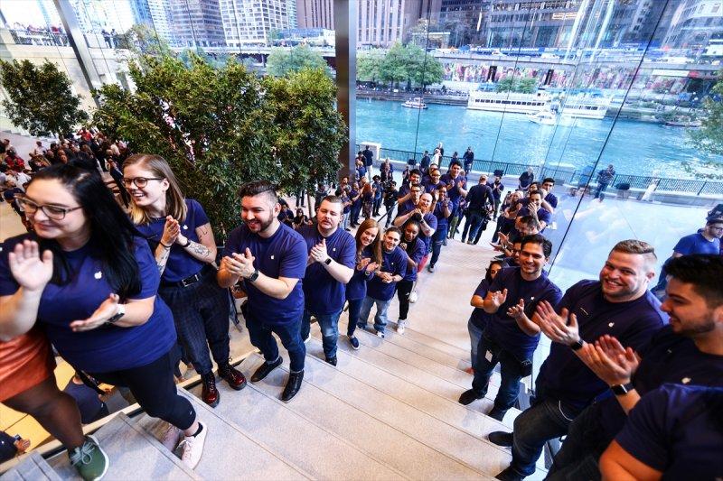 Apple çatısı 'MacBook' şeklinde olan mağaza açtı 5