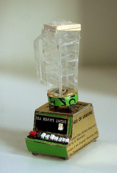 30 yıllık çöplerden minyatür eşyalar yaptı 15