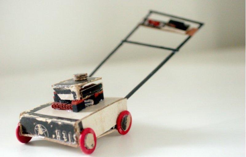 30 yıllık çöplerden minyatür eşyalar yaptı 9