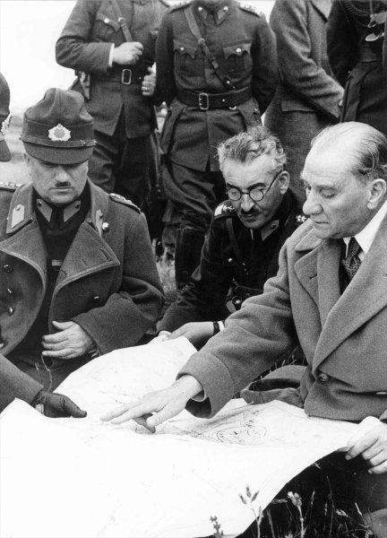 Gazi Mustafa Kemal Atatürk'ün az bilinen fotoğrafları ortaya çıktı 15