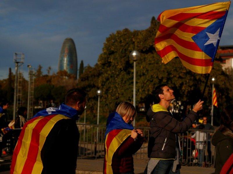 Barselona'da tutuklu Katalan siyasiler için gösteri 10
