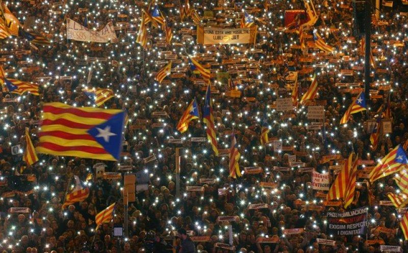 Barselona'da tutuklu Katalan siyasiler için gösteri 9
