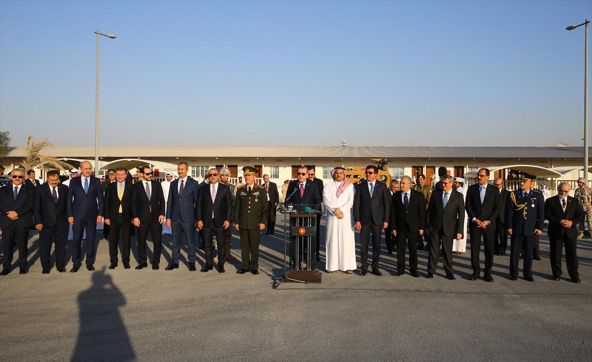 Erdoğan Katar'da Türk birliğini ziyaret etti 1