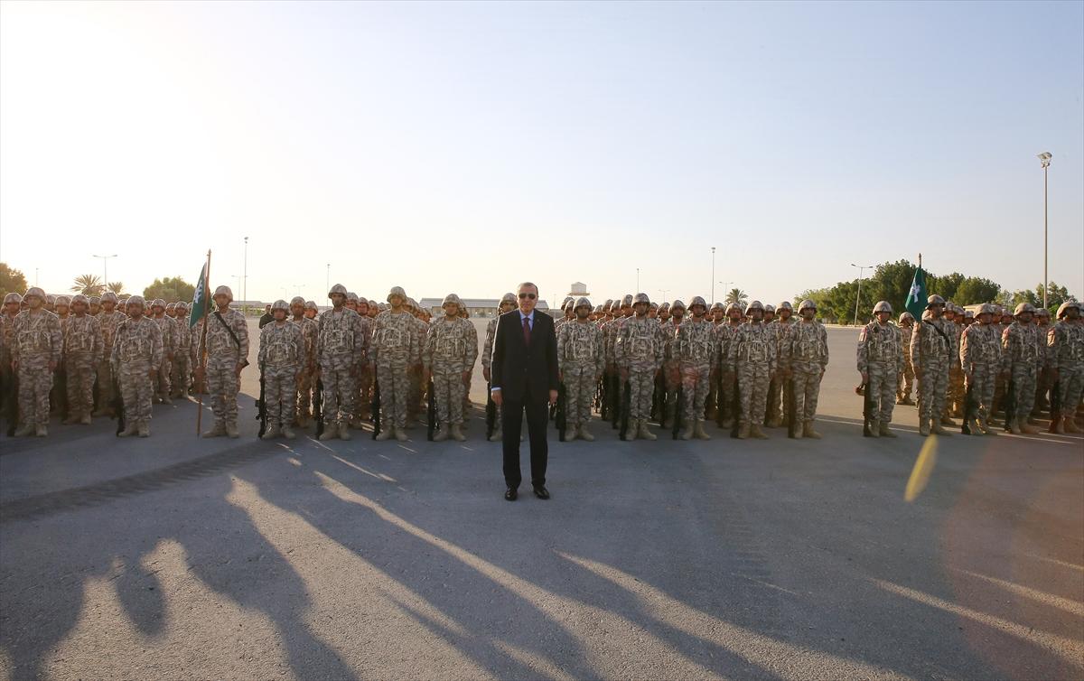 Erdoğan Katar'da Türk birliğini ziyaret etti 12
