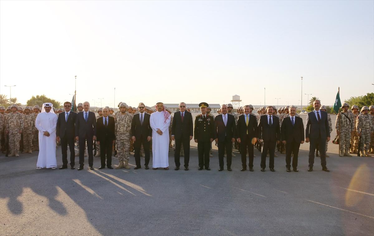 Erdoğan Katar'da Türk birliğini ziyaret etti 13