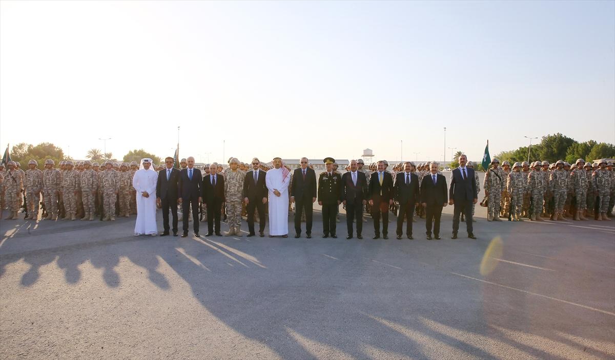 Erdoğan Katar'da Türk birliğini ziyaret etti 14