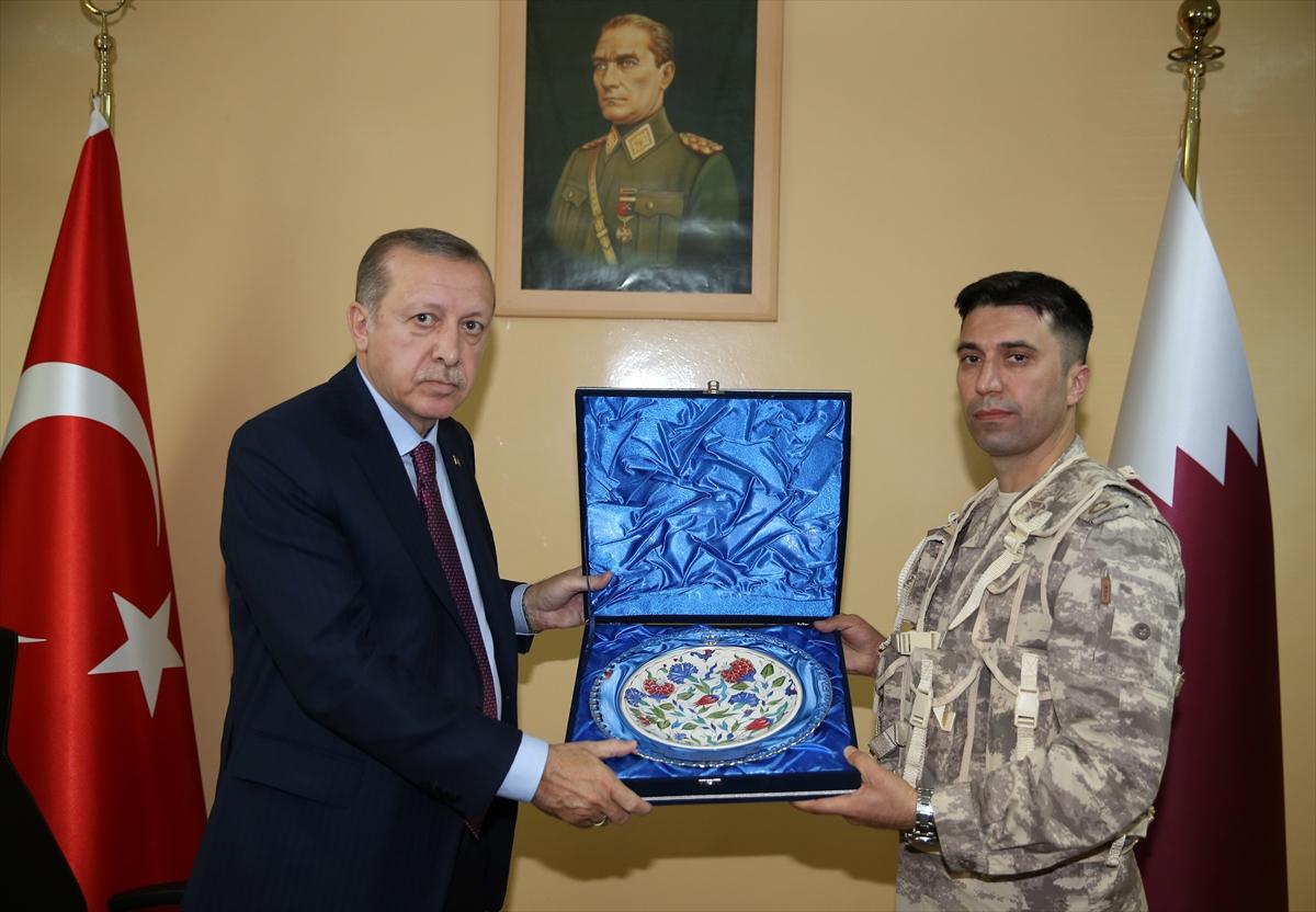 Erdoğan Katar'da Türk birliğini ziyaret etti 15