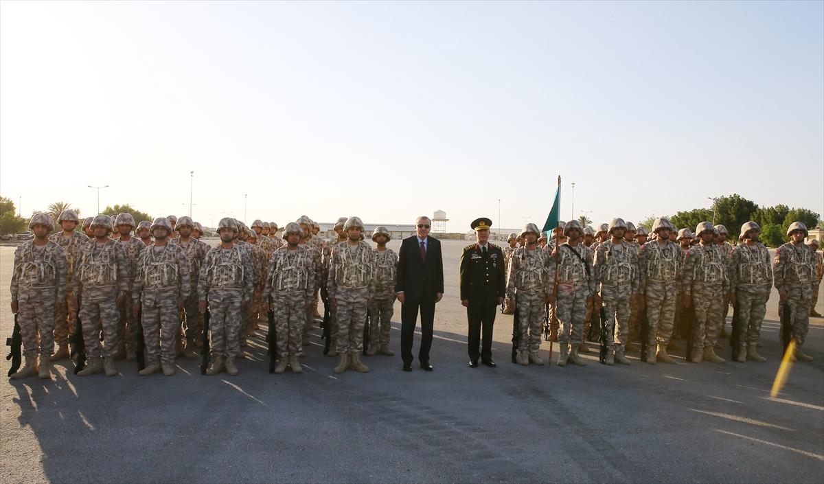 Erdoğan Katar'da Türk birliğini ziyaret etti 8