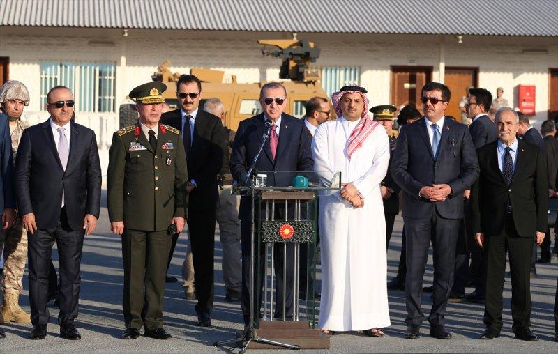 Cumhurbaşkanı Erdoğan Katar'daki Türk birliğinde 16