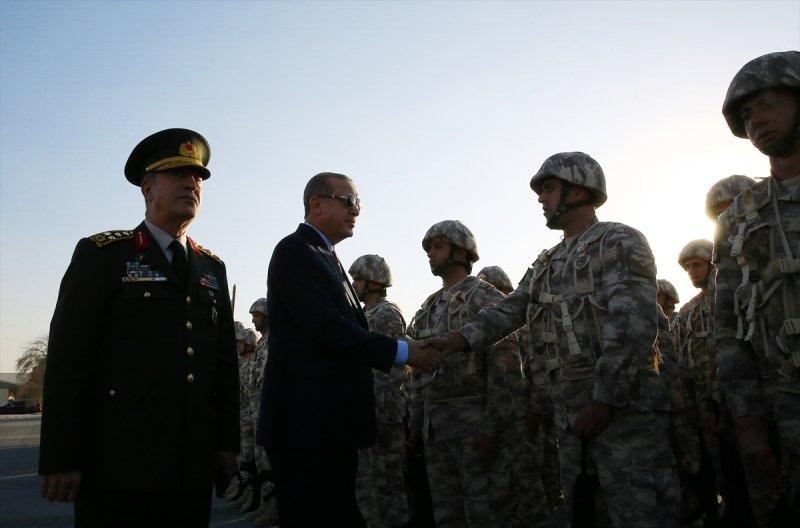 Cumhurbaşkanı Erdoğan Katar'daki Türk birliğinde 2