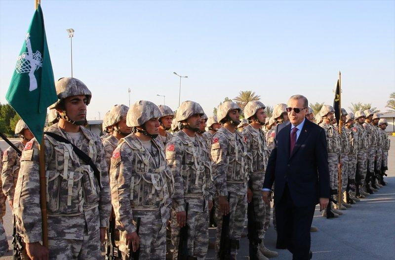 Cumhurbaşkanı Erdoğan Katar'daki Türk birliğinde 6