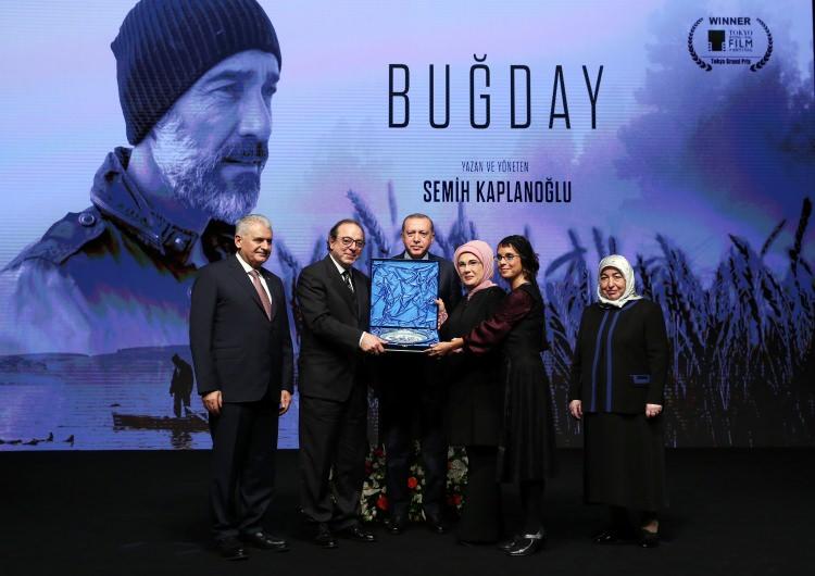 Cumhurbaşkanı Erdoğan Buğday filminin galasına ev sahipliği yaptı 8