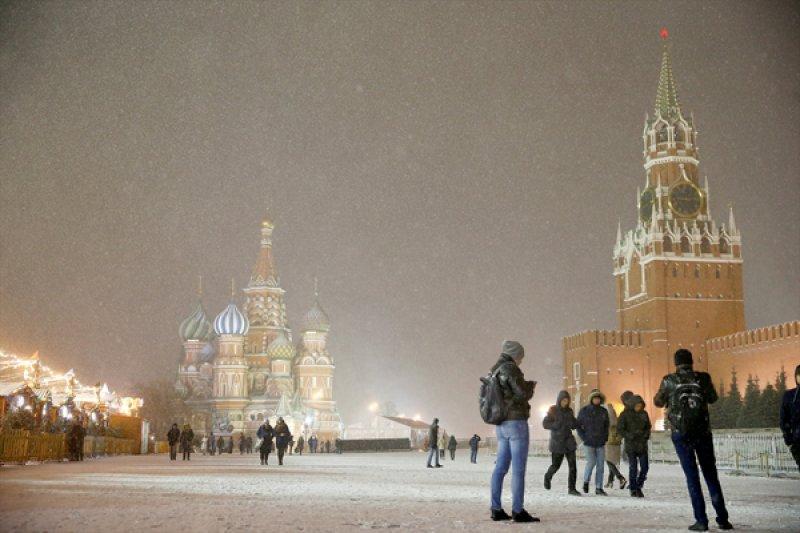 Rusya'da hayat 'kar'a rağmen durmuyor 3