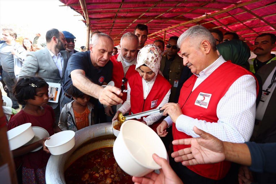 Başbakan Yıldırım'dan Arakanlı müslümanlara ziyaret 22