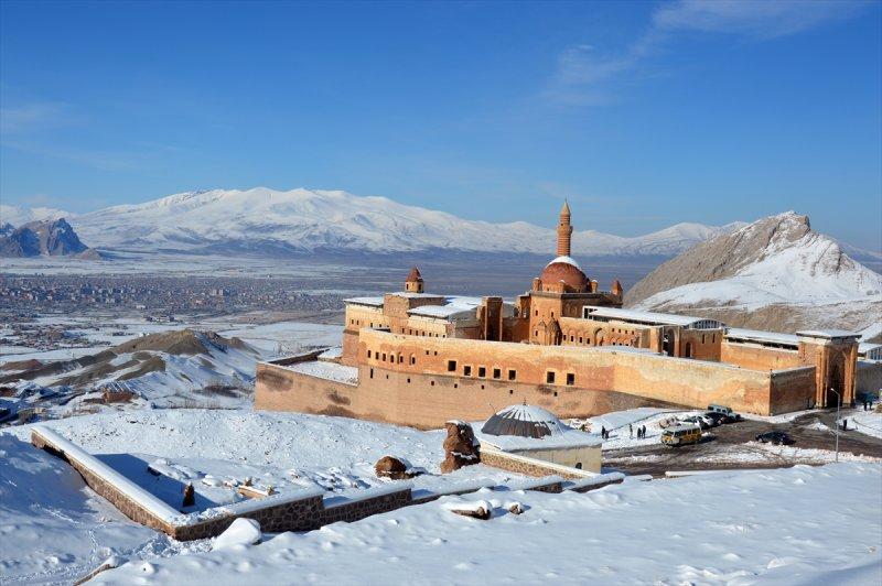 İshak Paşa Sarayı'ndan kartpostallık görüntüler 1