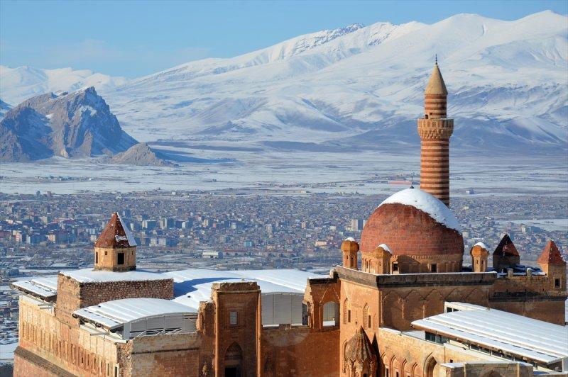 İshak Paşa Sarayı'ndan kartpostallık görüntüler 3