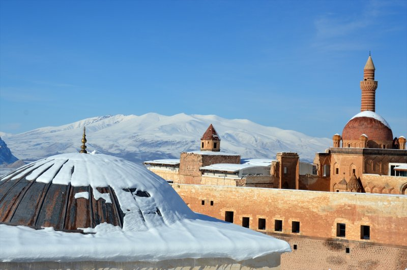 İshak Paşa Sarayı'ndan kartpostallık görüntüler 4