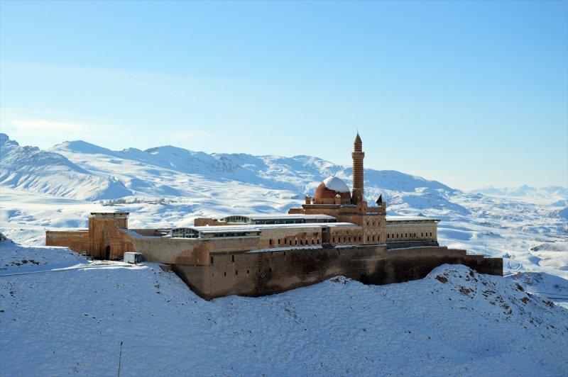 İshak Paşa Sarayı'ndan kartpostallık görüntüler 8