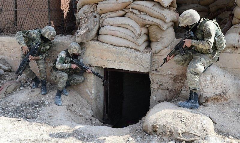 Mehmetçik teröristleri inlerinde avlıyor 2