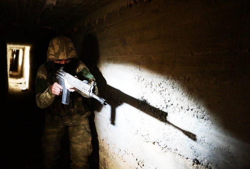 Mehmetçik teröristleri inlerinde avlıyor 3