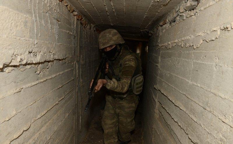 Mehmetçik teröristleri inlerinde avlıyor 9