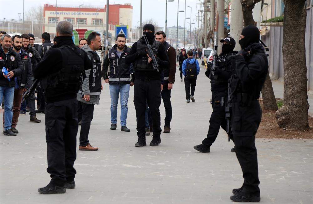 Diyarbakır'da hava destekli narkotik uygulaması 2