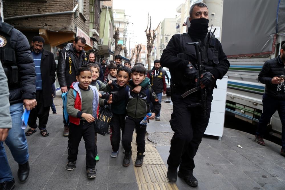 Diyarbakır'da hava destekli narkotik uygulaması 4