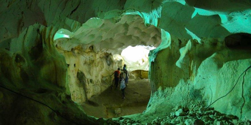500 bin yıl öncesine ışık tutan mağara: Karain