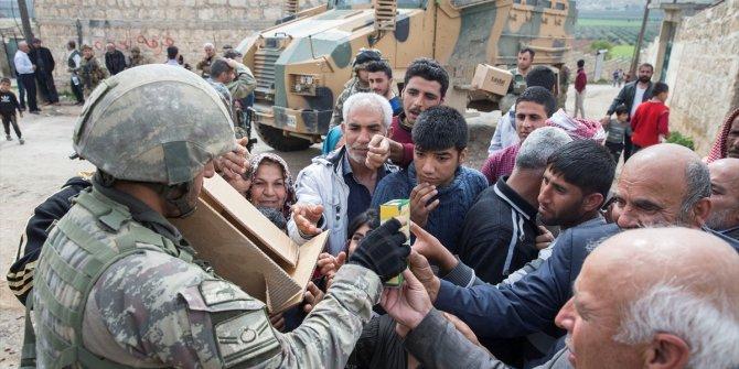 Afrin'de Mehmetçiğe sevgi gösterisi