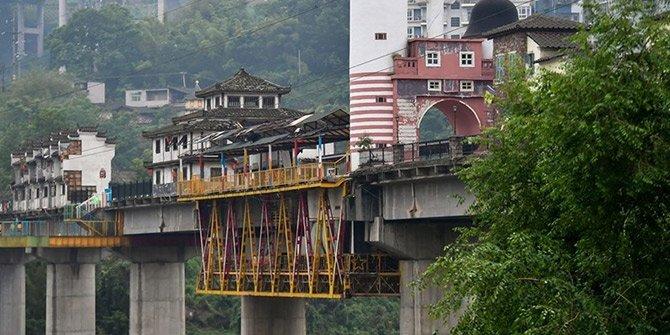 Çin'deki sıra dışı köprü!