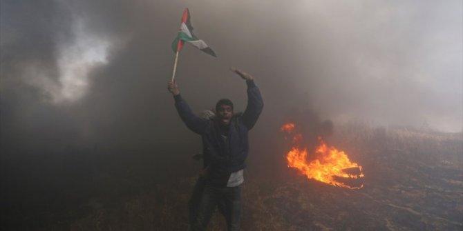 Filistin halkı onurlu bir şekilde mücadele ediyor